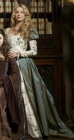 Historic accuracy in costume design the 16th century for Tudor style wedding dress