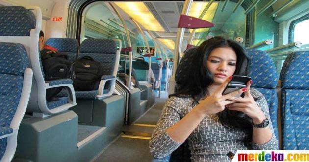 TUE MAKAN DIA!! (6 GAMBAR) Jurukamera Amatur Ini Tersangatlah Leka Merakam Gambar Gadis Cantik Didalam ERL KLIA Transit,Sehinggalah KANTOI...