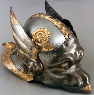 http://3.bp.blogspot.com/-coZnlmrtXOg/UbYVsqQiP_I/AAAAAAAALks/-tYnAC3rrx4/s1600/ceremonial+and+parade+helmets+of+Charles+V.jpg