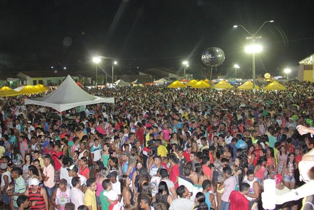 Santa Inês consolida Carnaval 2015 como o maior da região