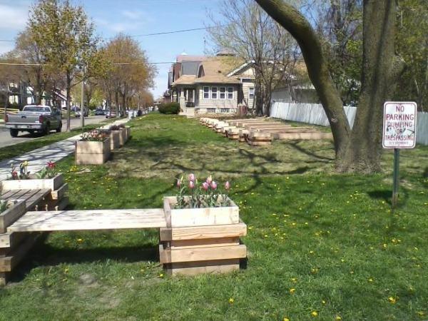 Gardening Gwen Urban Gardens In Milwaukee Public Spaces
