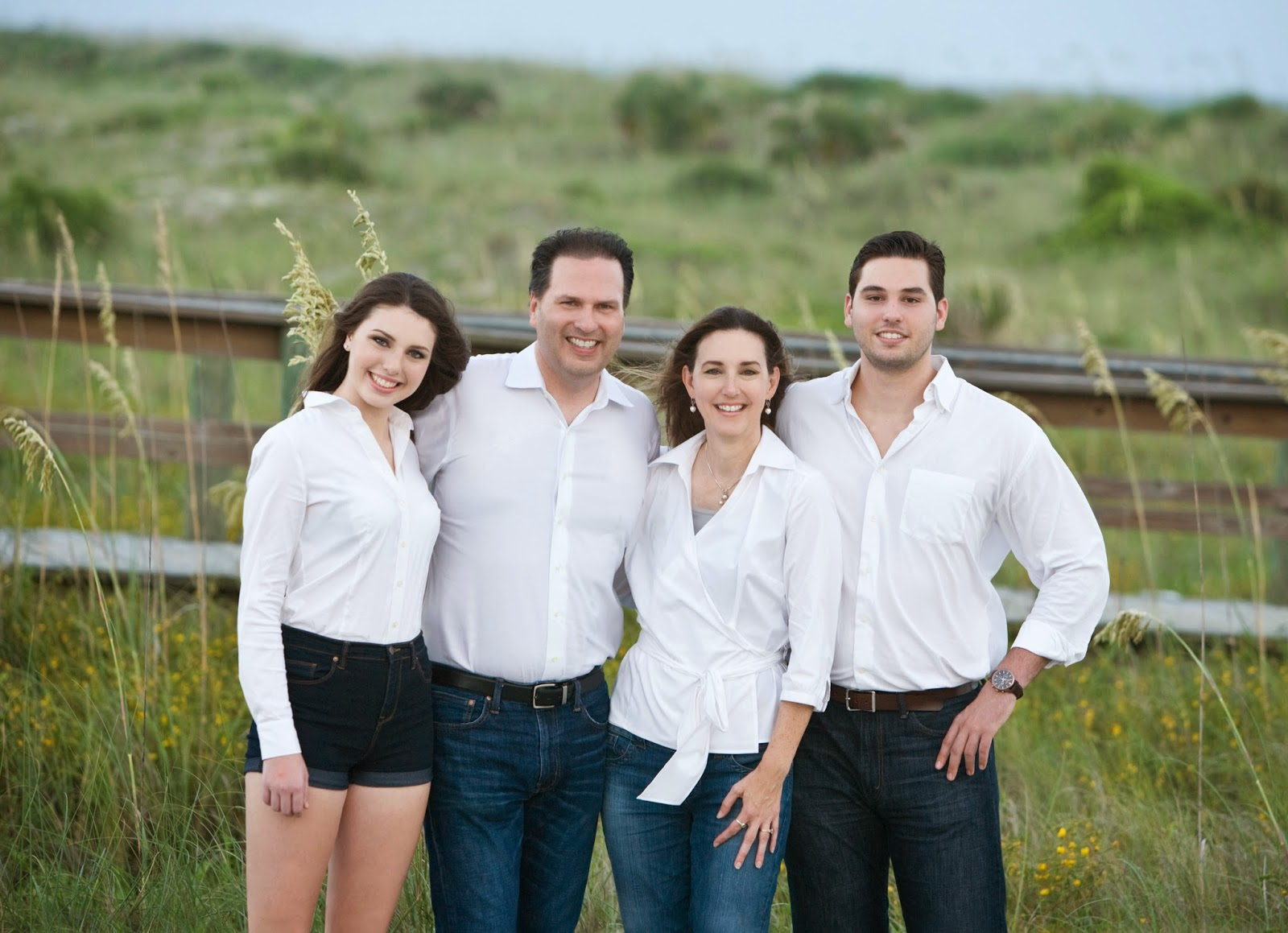 Deanne Dunlop Photography: Family Beach Portraits make great ...