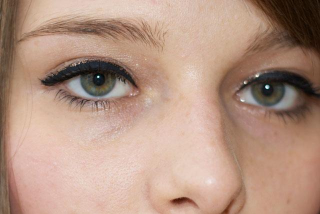 festive christmas eye makeup AMU glitter eyliner