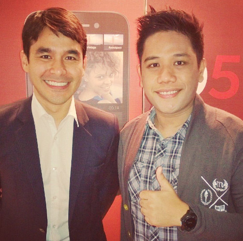 blackberry q5, Mark Milan Macanas, Atom Araullo