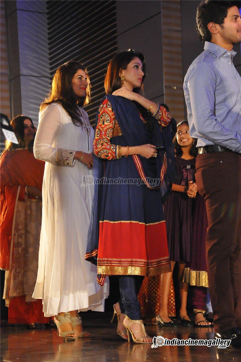 Vineeth Sreenivasan Reception Photos Asha Ashish: Celebriti...
