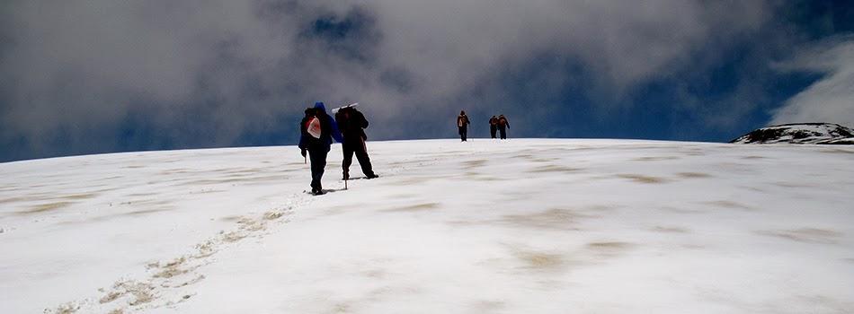 Saurkundi Pass Himalayan trekking