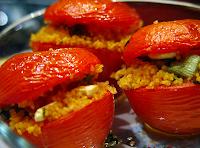 Tomates Assados Recheados com Cuscuz (vegana)