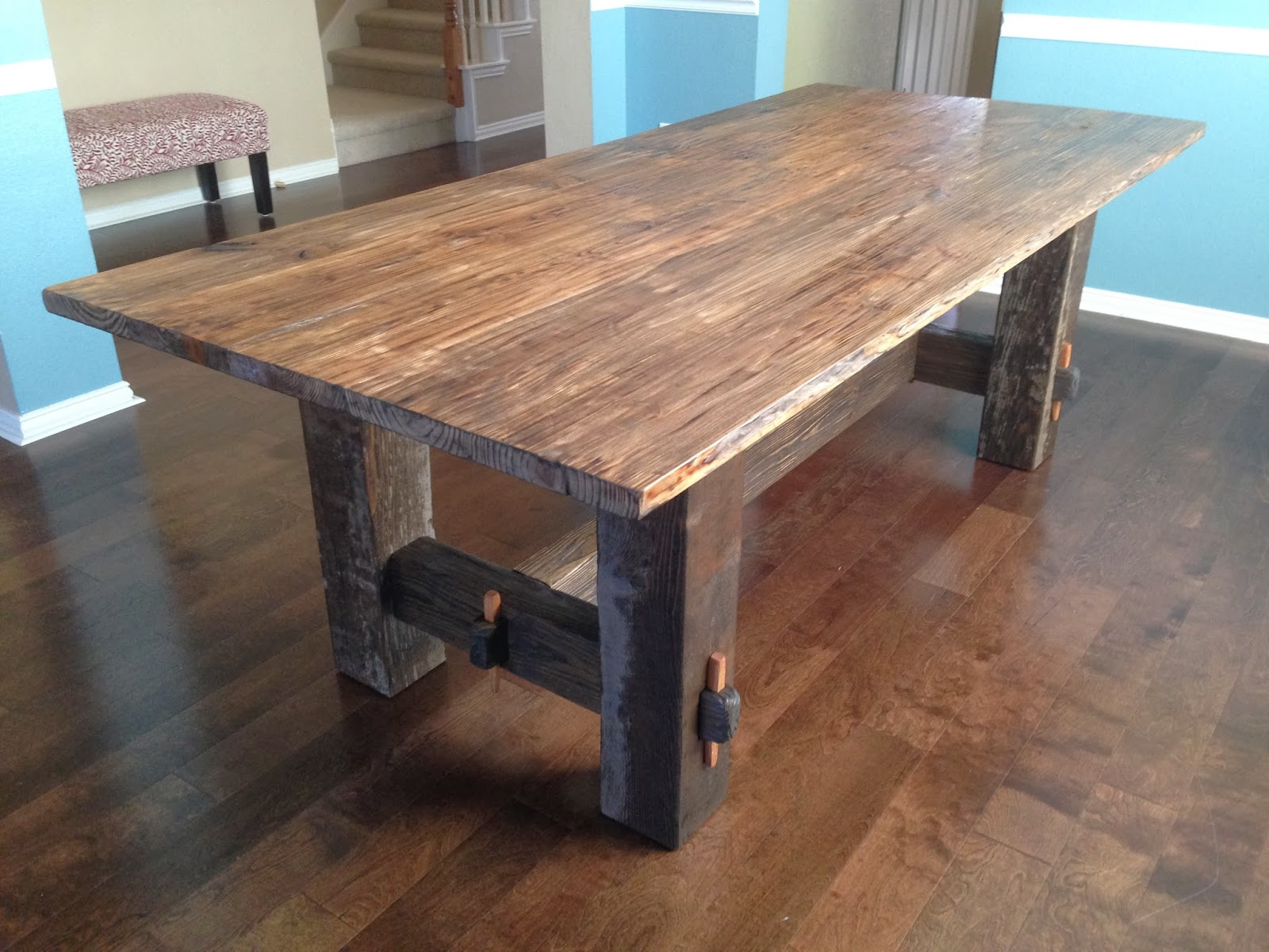 Rock solid tables the holman farmhouse table 1400 for Farmhouse table plans with x legs