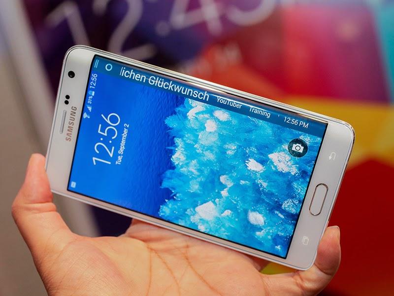 Trên tay điện thoại màn hình cong Galaxy Note Edge