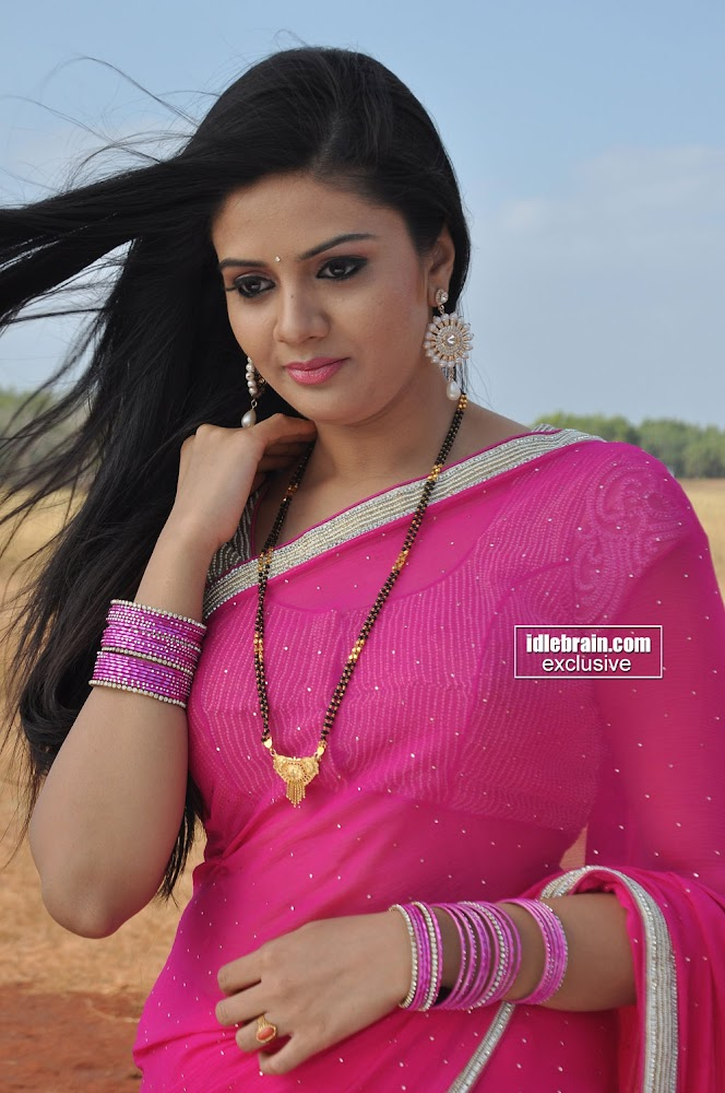 Sri Mukhi Hot Photos, Sri Mukhi Hot In Saree, Sri Mukhi Sexy Photos In Saree, Sri Mukhi New Hot Images, Sri Mukhi Sexy Stills, Sri Mukhi Hot Wallpapers, Sri Mukhi Sexy Pics, Sri Mukhi Hot Unseen Images