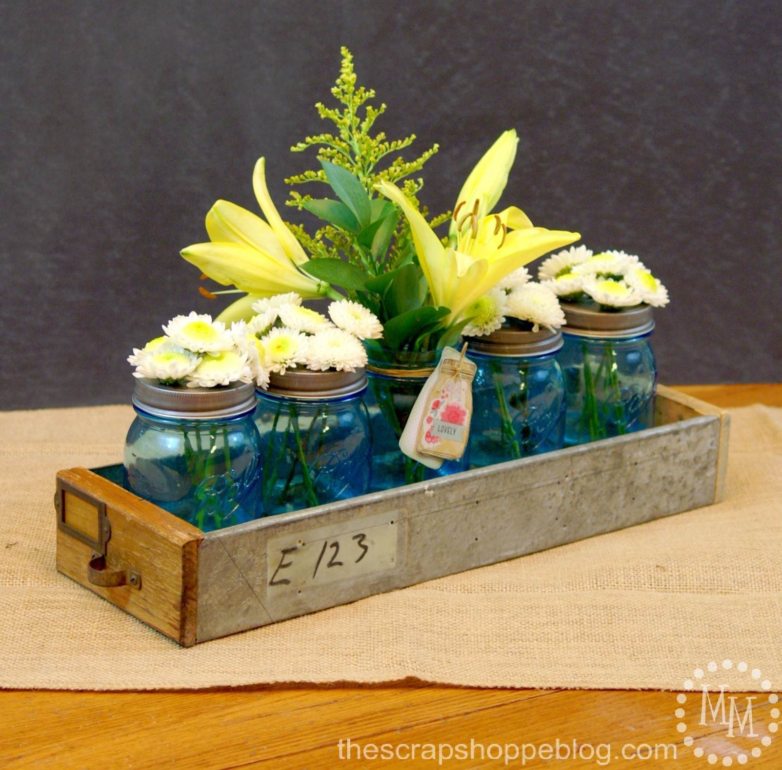 The Scrap Shoppe: Simple Mason Jar Centerpiece