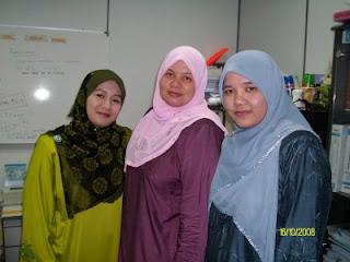 Tiga Tudung di Ofis melayu bogel.com