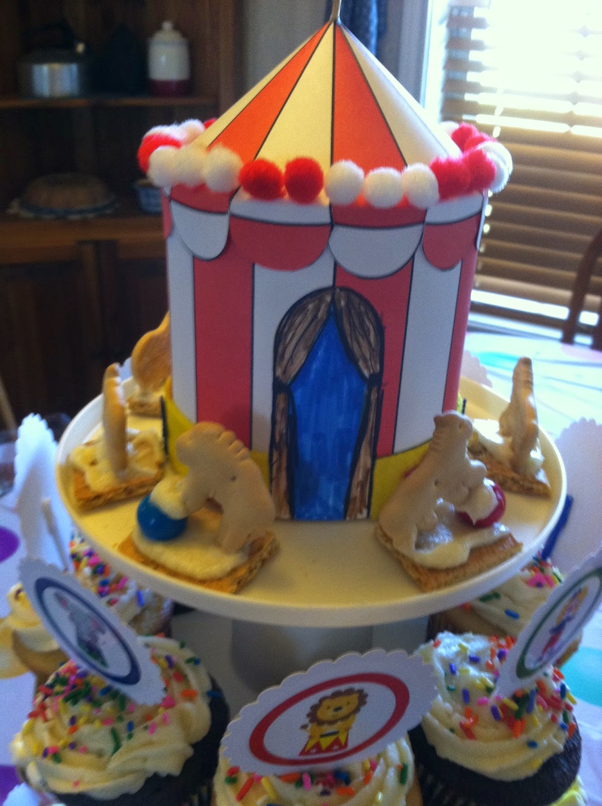 Hereu0027s my step-by-step DIY with directions and photos for the Circus  Big-Top  Tent. This centerpiece can easily ... & Ms. Nancyu0027s Nook : Circus