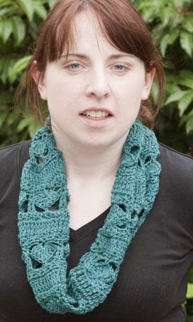"FREE PATTERN: Cowl using ""Sunseeker"" Yarn by Cascade Yarns"