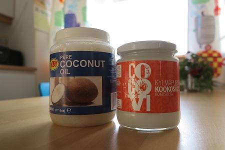 tavallinen kookosöljy ja kylmäpuristettu kookosöljy