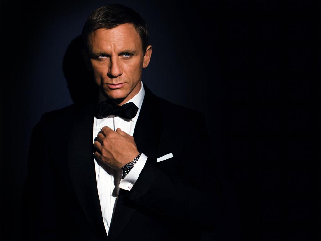 http://3.bp.blogspot.com/-cqfPTzJzX8A/UF3n8clrdDI/AAAAAAAAA1Q/cqQwjhzCowA/s1600/Daniel-Craig-James-Bond.jpg