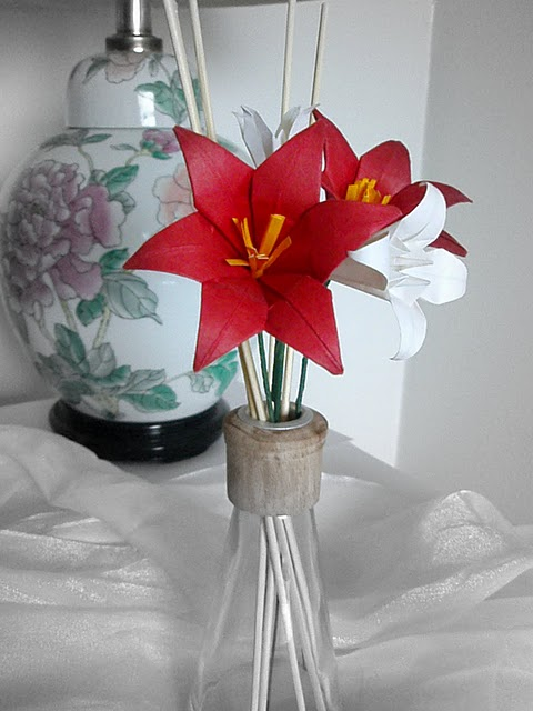 Origami oasis gallery 4 origami flowers and wedding bouquets posted by avonne mightylinksfo