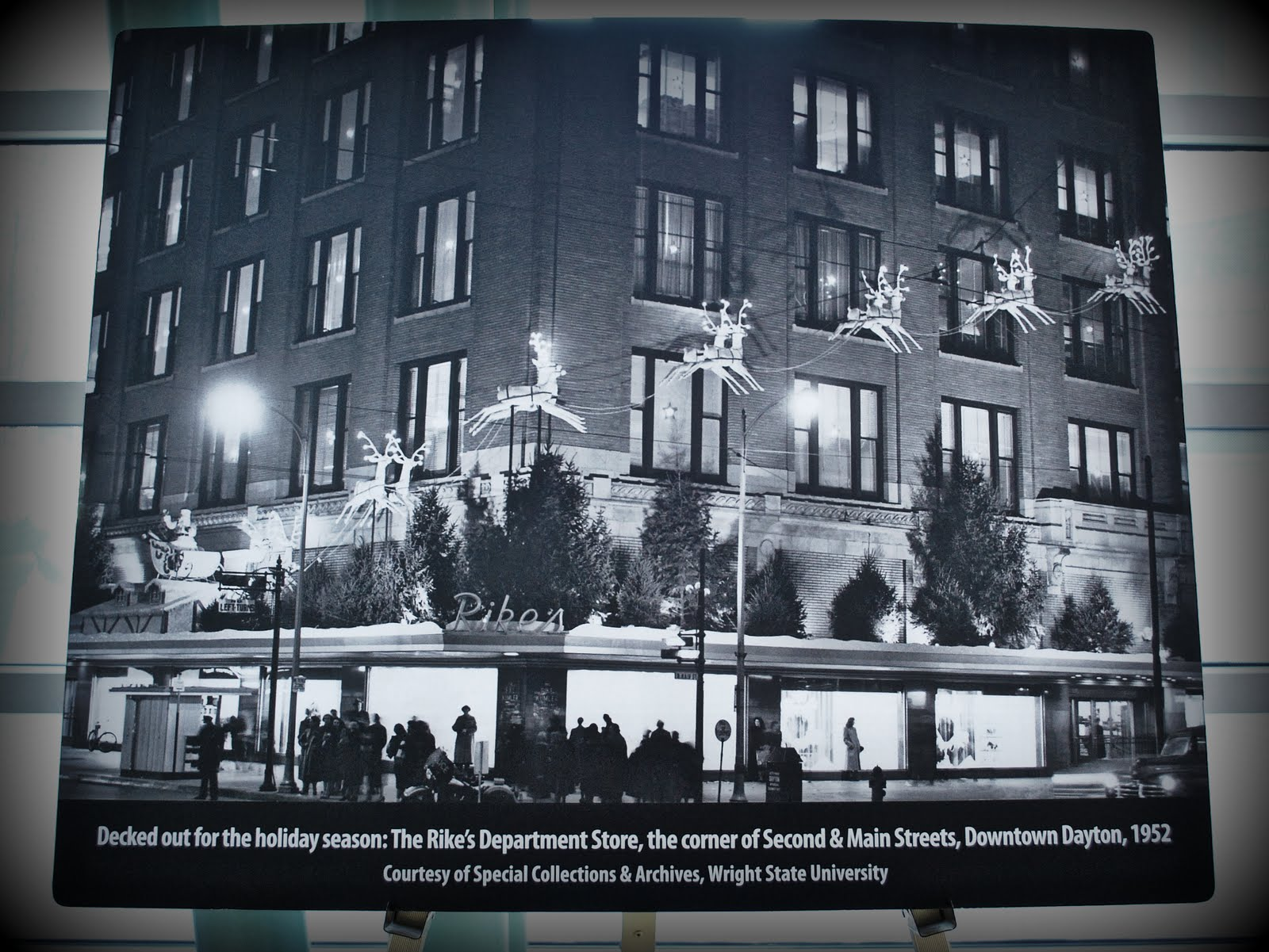 dayton hudson department store company versus Dayton's, hudson's stores to become marshall field's  the company will continue to operate its 60 full-line  a spokeswoman for the department store.