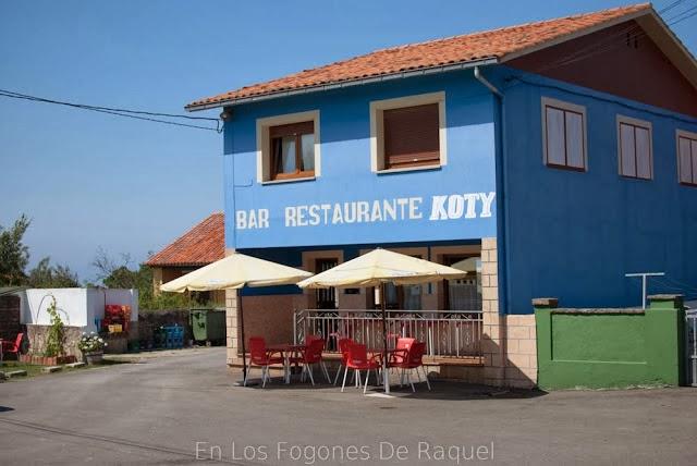 http://enlosfogonesderaquel.blogspot.com.es/2013/09/caminando-de-gijon-la-nora-casa-koty.html