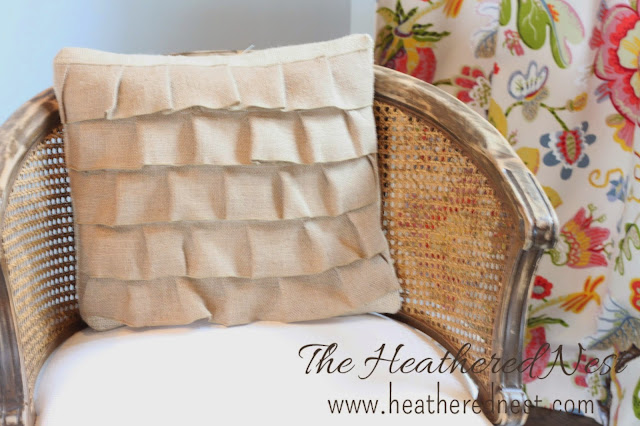 Sewing tutorial for Pillow with Burlap ribbons