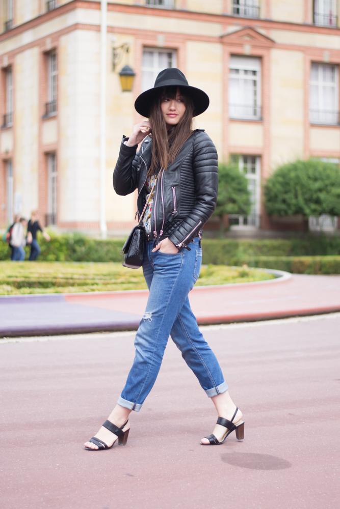 Parisian fashion blogger
