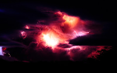 Puyehue volcano red lightning photo