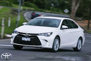 2016 Toyota Camry Atara Review Canada Fuel Consumtion