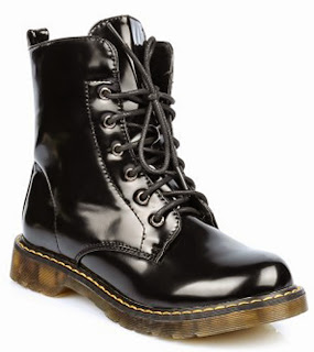http://www.ebay.fr/itm/docs-femme-bottines-gris-metallise-noir-marron-jaune-semelle-gomme-lacets-docks-/291395396745?ssPageName=STRK:MESE:IT