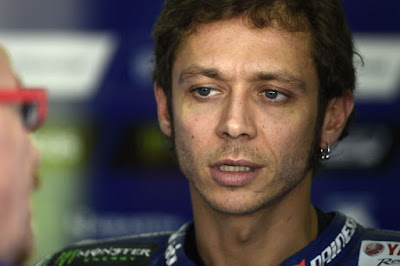 Latihan Hari Pertama, Rossi Akui Kalah Cepat dari Lorenzo
