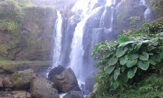 Keindahan Air Terjun Curup Gangsa di Kabupaten Way kanan