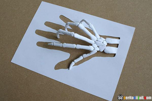 http://www.ceritaciijail.com/2013/06/Karya.Seni.Mengagumkan.Dari.Secarik.Kertas.html