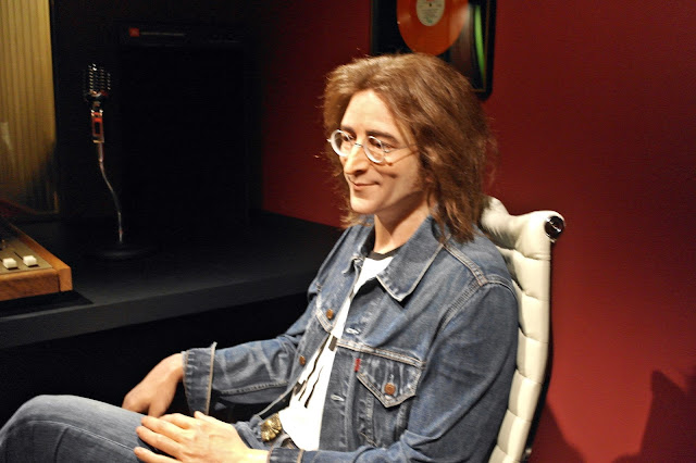 John Lennon was sitting inside recording studio. | www.meheartseoul.blogspot.com