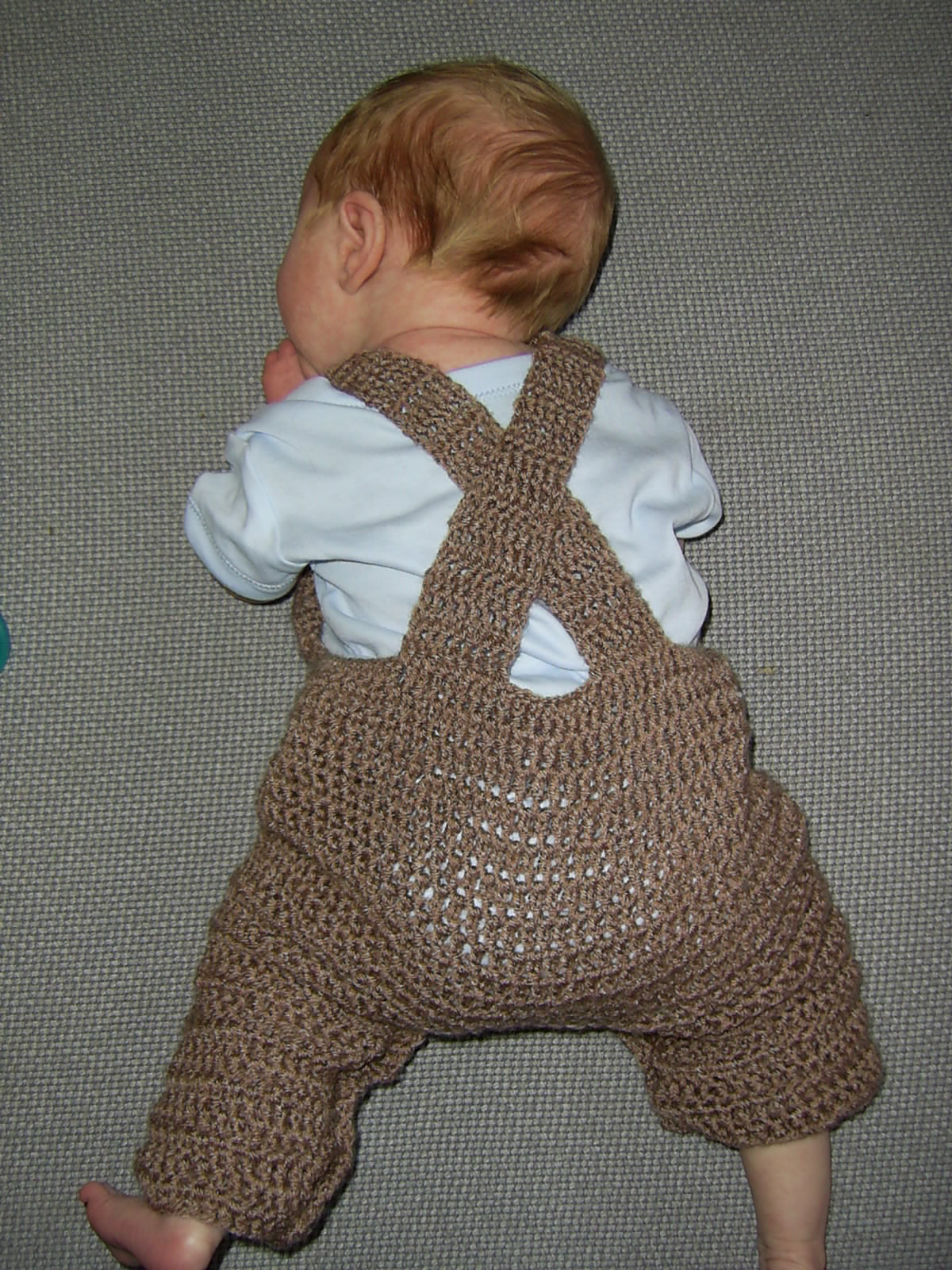 Crochet Pattern Baby Dungarees : Mauv is Crafty: Crochet dungarees - free pattern!