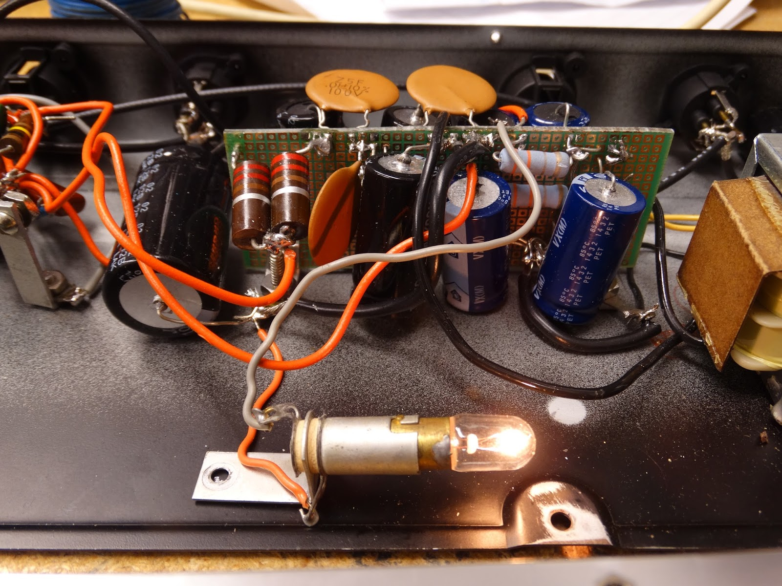 Free Music Archive Ionosonderecs Blog Piezoelectric Amplifier Circuit Hacked Gadgets Diy Tech Kids You Might Want To Ask Your Parents What A Incandescent Light Bulb Is
