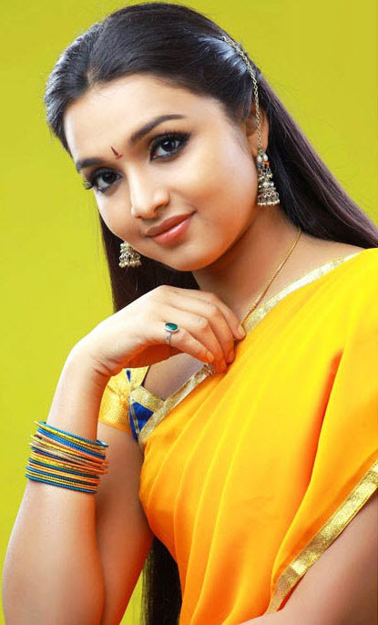 DEEPTI NAMBIAR CUTE SAREE STILLS hot photos