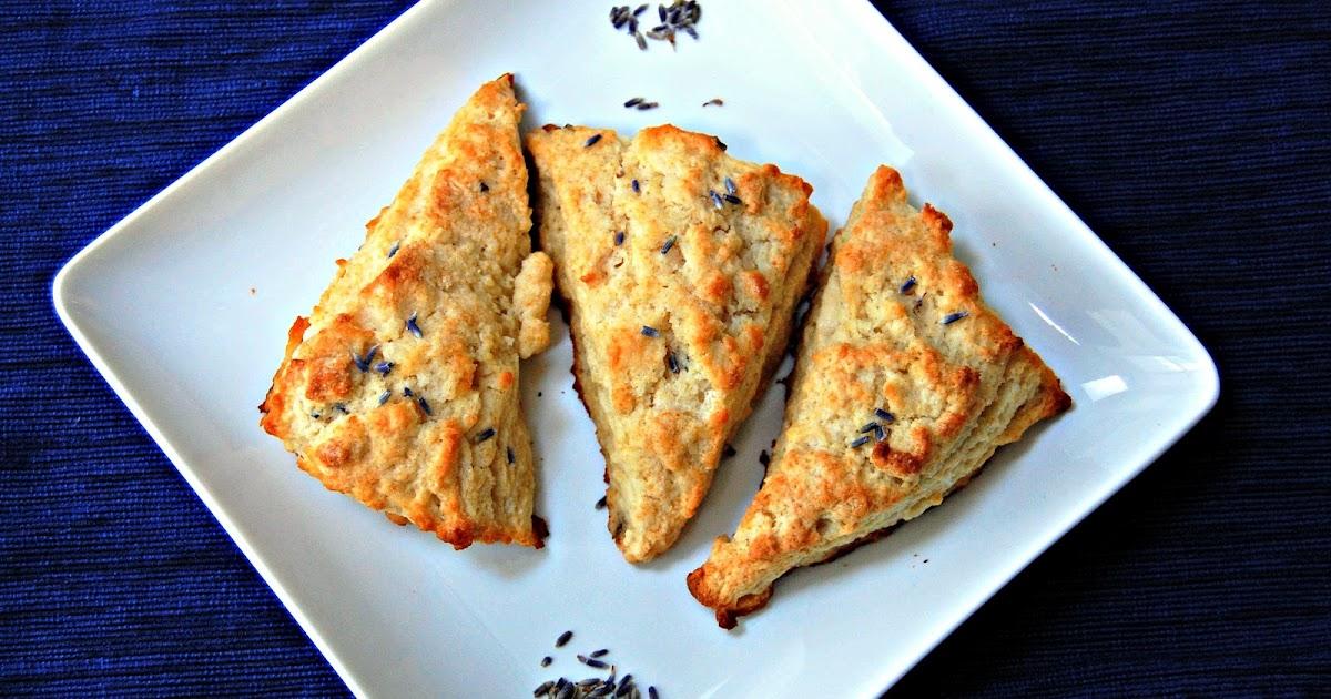 Eva Bakes - There's always room for dessert!: Sweet lavender scones