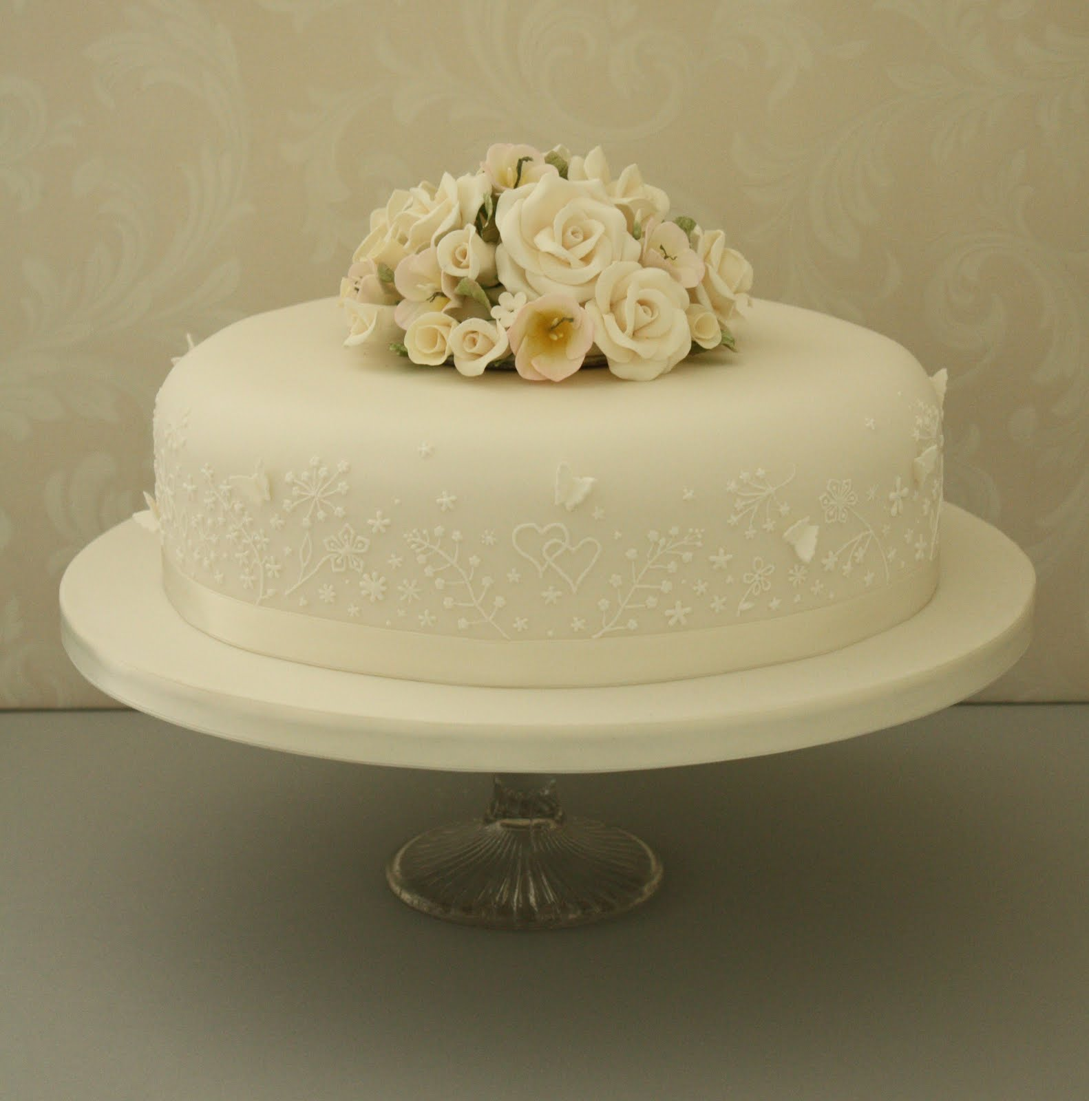 elegant single tier Sam cakes