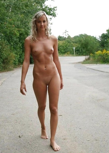 sexy very tall nude women
