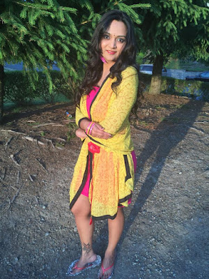 how to wear a scarf as a dress, how to wear scarfs differently, yellow scarf, scarf DIY, ananya kiran, indian fashion blogger