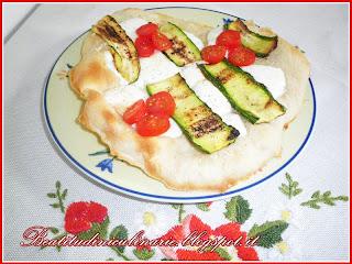 schiacciata stracchino e zucchine
