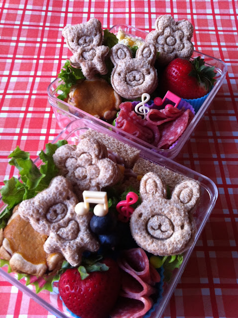 Teddy and Bunny Sandwich, くまとうさぎのサンドイッチ