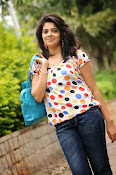 Love You Bangaram Heroine Sravya Photos-thumbnail-17