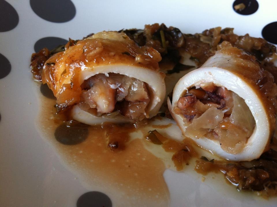 La cocina de pat y rub n calamares rellenos - Limpiar calamares pequenos ...