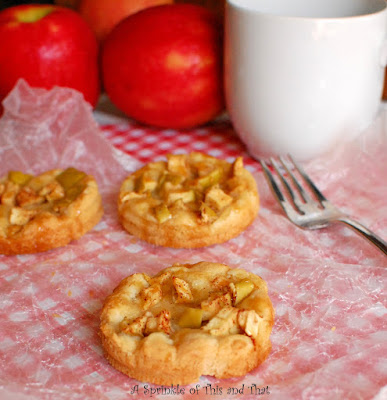 Mason Jar Lid Apple Snickerdoodle Pies, shared by A Sprinkle of This and That
