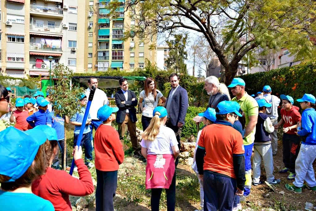 Agentes dinamizadores limasa m laga d a del rbol en el for Distrito ciudad jardin malaga