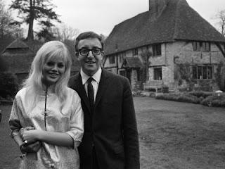 Peter Sellers junto a Britt Ekland