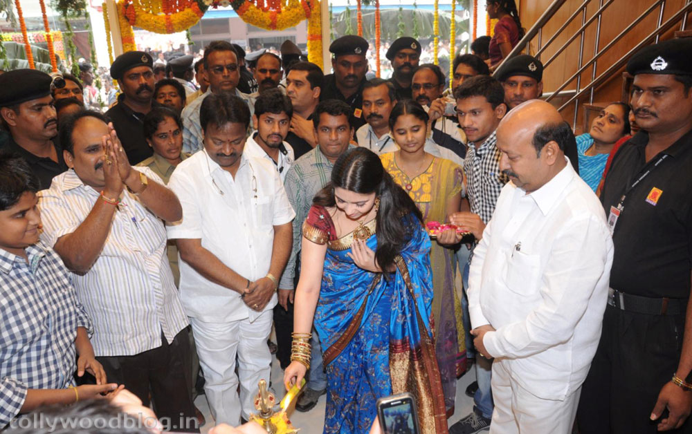 SVR Showroom Inagurated by Actress Charmi-HQ-Photo-6