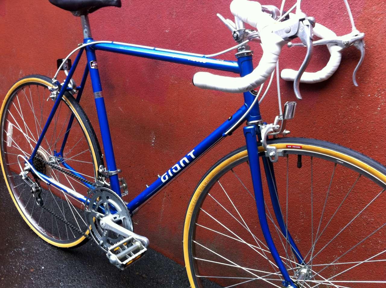 Bike Boom Refurbished Bikes Giant Rs900 Blue Road Bike