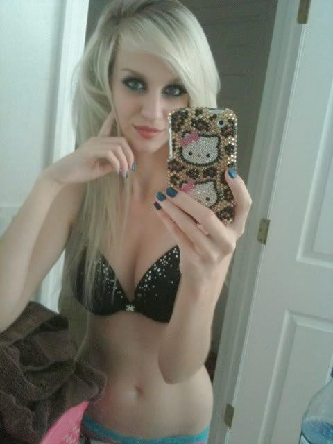 pics of hot moms nude