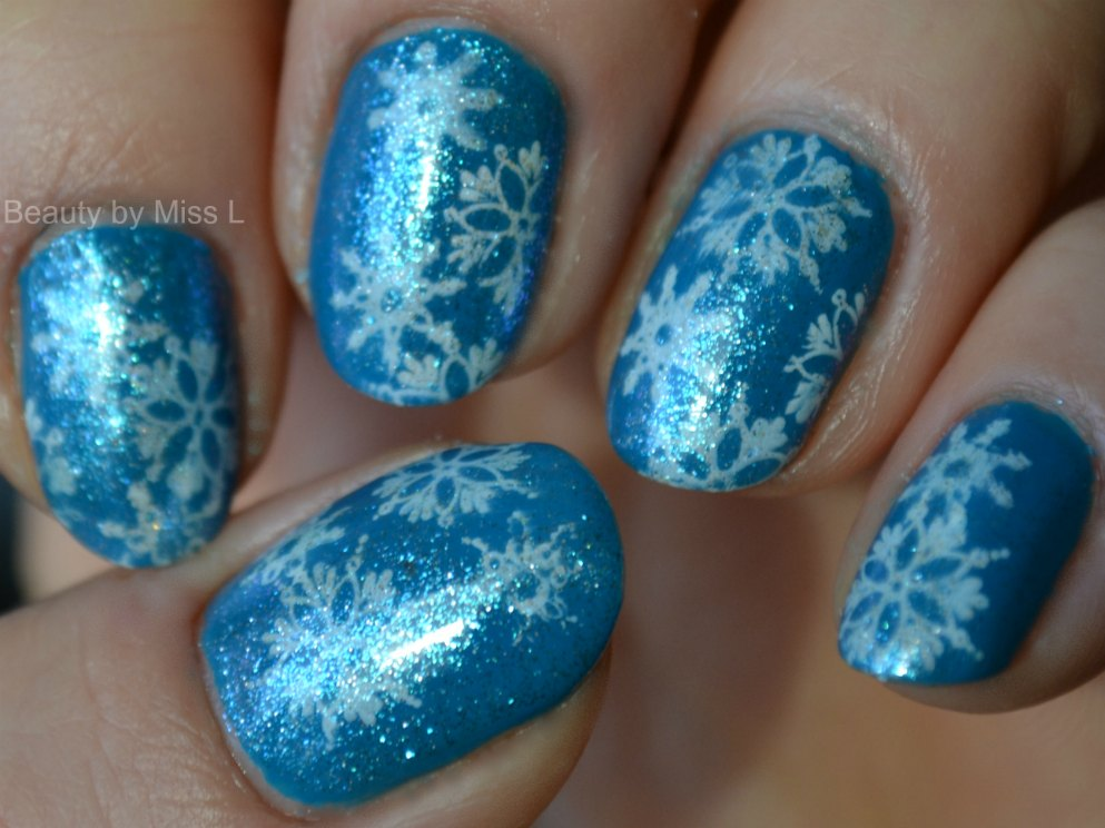 nail art stamping, snowflakes, notd, blue white manicure